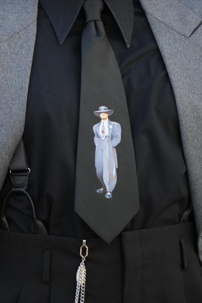 Zooter Black Tie