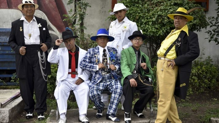 #1 for Mexico's 'pachucos' keep zoot suits, defiance alive