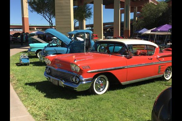 """Lowrider cars """"MeatUp"""" staged at Lincoln Park in Central El Paso"""