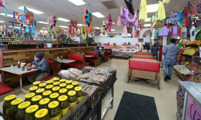 Let's Eat: Monona grocer La Rosita serves up community and outstanding tacos