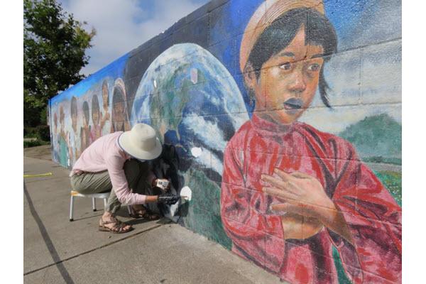 """Restoration of """"Ninos Del Mundo"""" Mural"""