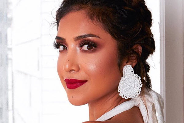 Mexican-American Beauty Blogger Goes From Army Soldier To Makeup Mogul